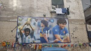 Homenatge a Diego Armando Maradona als Quartieri Spagnoli de Nàpols.