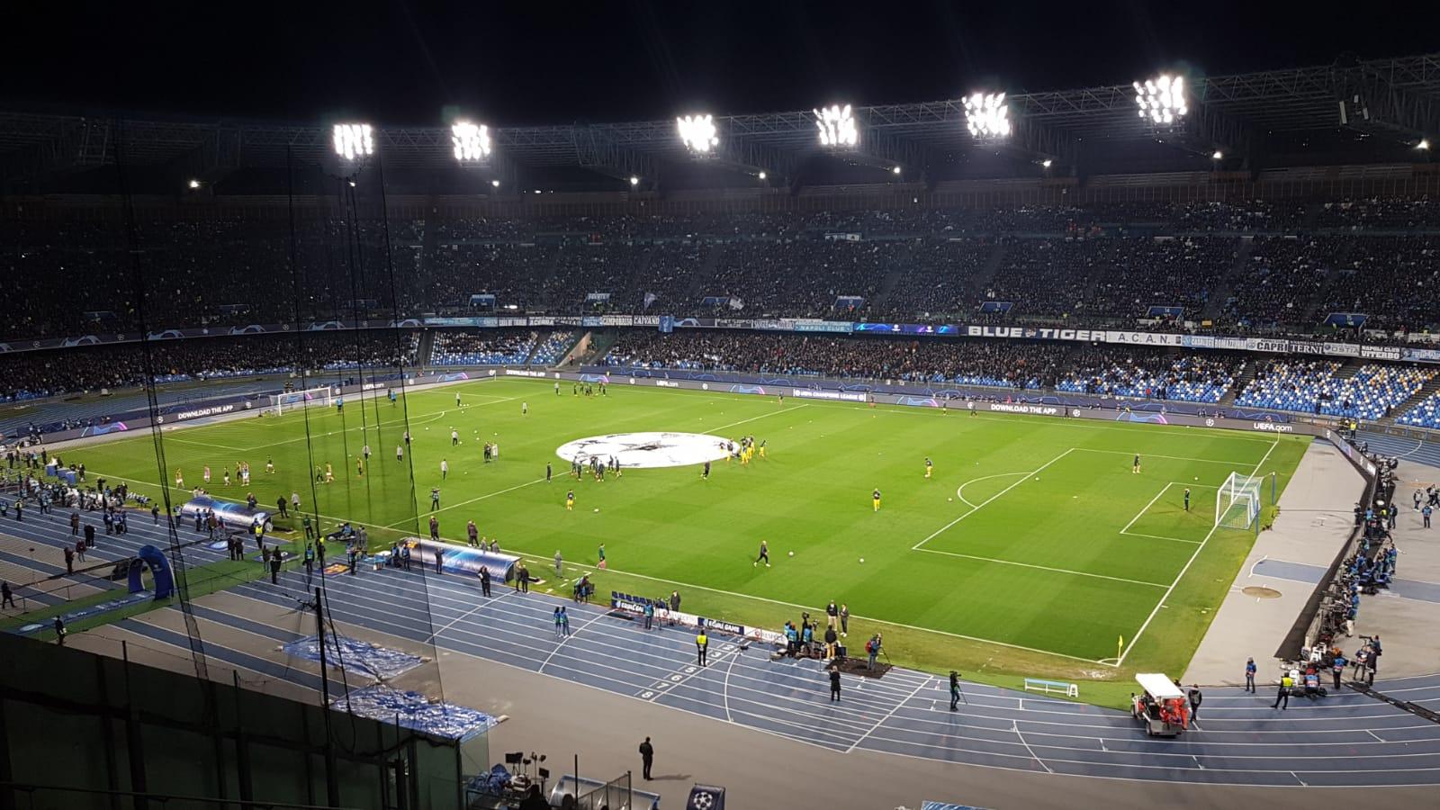El estadio de San Paolo antes del Nápoles-Barça de los octavos de final de la Champions League 2019-2020.
